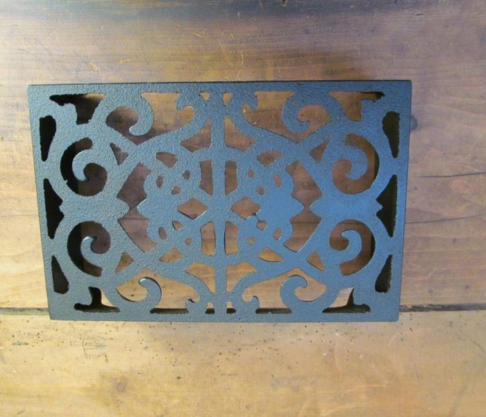 Cast Iron air brick (large) - ornate